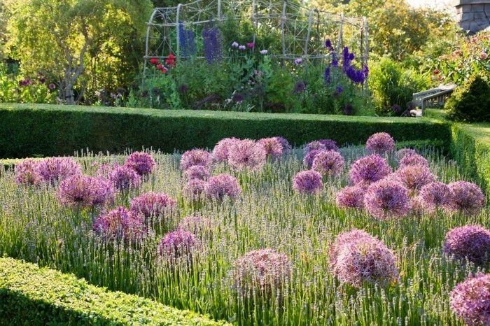 Rasenkante Und Beeteinfassung Zahlreiche Ideen Und Praktische Tipps Rasenkanten Beeteinfassung Garten Landschaftsbau
