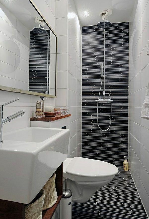 badausstattung gro es spiegel mit einer dusche und wandgestaltung in wei und schwarz 77. Black Bedroom Furniture Sets. Home Design Ideas