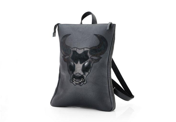 Мужской рюкзак из кожи с аппликацией быка / Рюкзак мужской