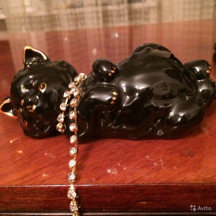 Статуэтка Черная кошка с цепочкой