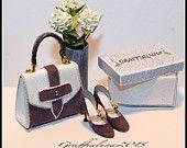 1:12 borsetta e scarpe in pelle bianca e camoscio viola