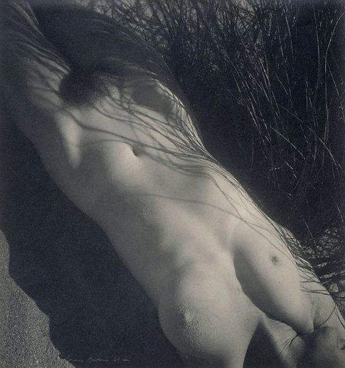 Max Dupain, Nude in the Grass 1939