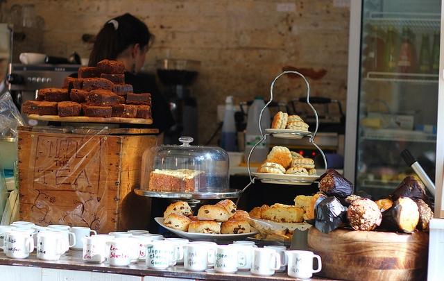 Counter at Yumchaa Tea Shop: Yumchaa Tea, Favorite Places, Incredible Spaces, Tea Shops, Cafe Design, Cozy Cafe, Coffee Shop