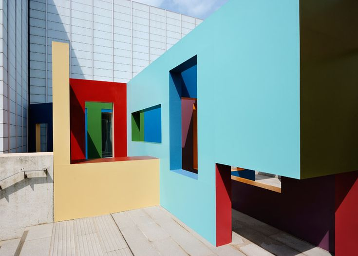 Krijn de Koning builds colourful structures at Turner Contemporary.