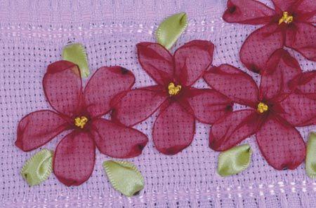 Toalha de Lavabo Rosa (Bordado em fita) - Artesanato na Rede