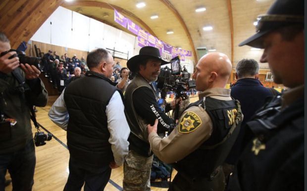 Conservative talk show host and Y'all Qaeda spokesperson Pete Santilli attended a Harney County meeting Monday night. It didn't go down well for him. We're not sure why Santilli thought he would be welcomed at the meeting, because the exact opposite happened.