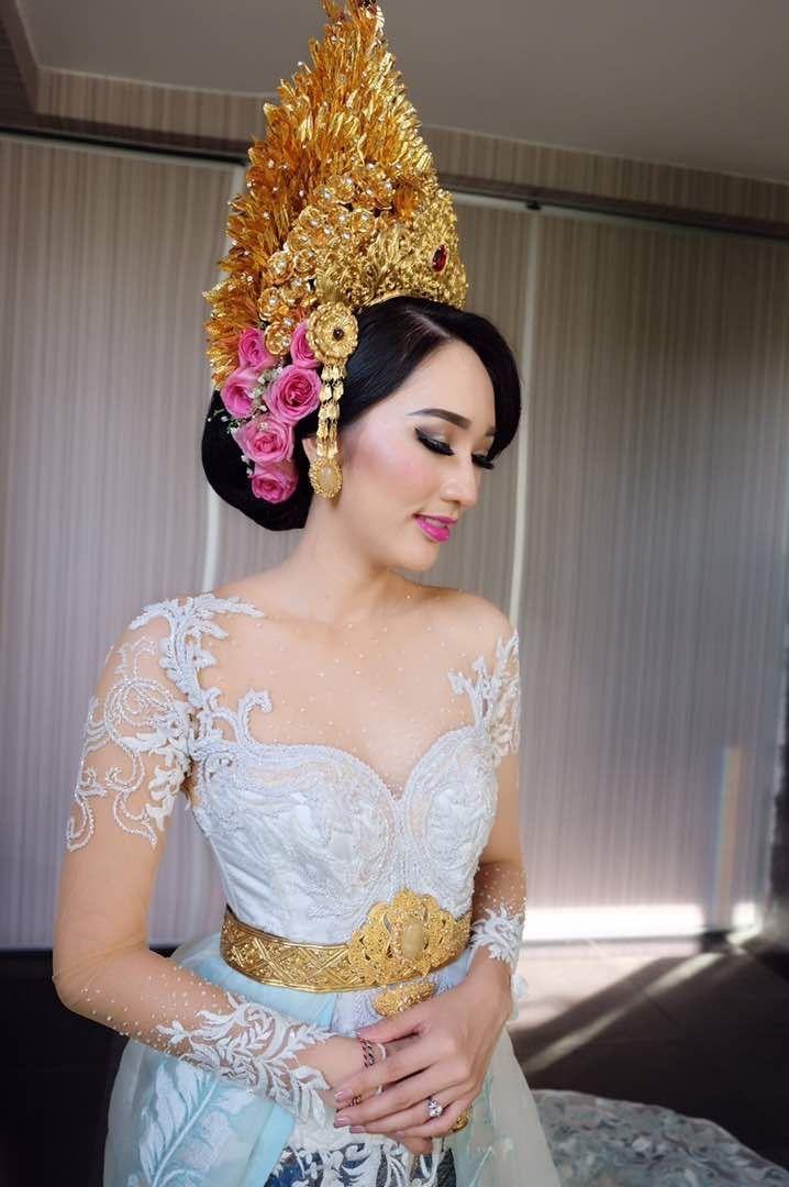Balinese make up and kebaya ❤️ #bridesmaid #bridesmaiddress #bridesmaidkebaya #indonesianbridesmaid #bridebestfriend #wedding #weddingidea #balinesewedding
