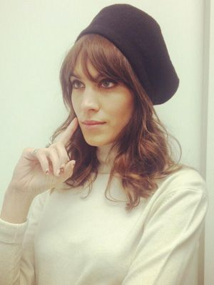 Yes, You Can Roll Out of Bed With Gorgeous Bedhead like Alexa Chung #celebrity #HowTo #HairIdeas