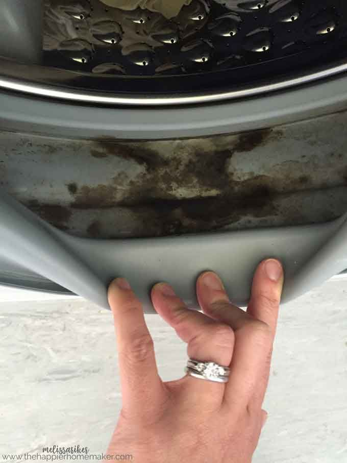How to Clean a Front Load Washing Machine | Cleaning and