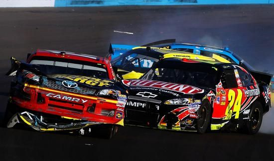 Jeff Gordon had a fit of road rage on the Nascar track in Phoenix when he purposely crashed his car into Clint Bowyer in retaliation for some late race contact, inciting a brawl between the drivers' pit crews.