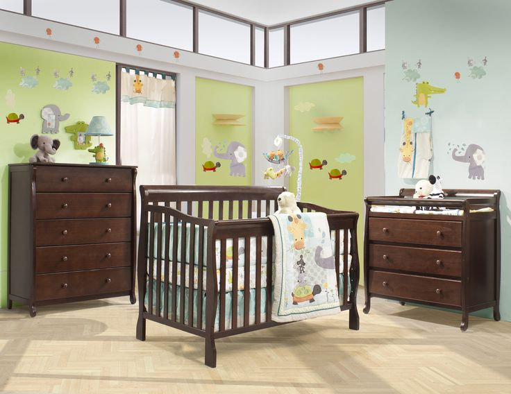 Liverpool - Sullivan Collection in Java. Jungle animals are always cute in nurseries  How fun it is to be able to match the bedding and the walls !  Available pieces: - 4-in-1 convertible crib Sullivan - Liverpool Changing Table - Liverpool 5 Drawers Dresser Available colors : White, Java, Washed Gray