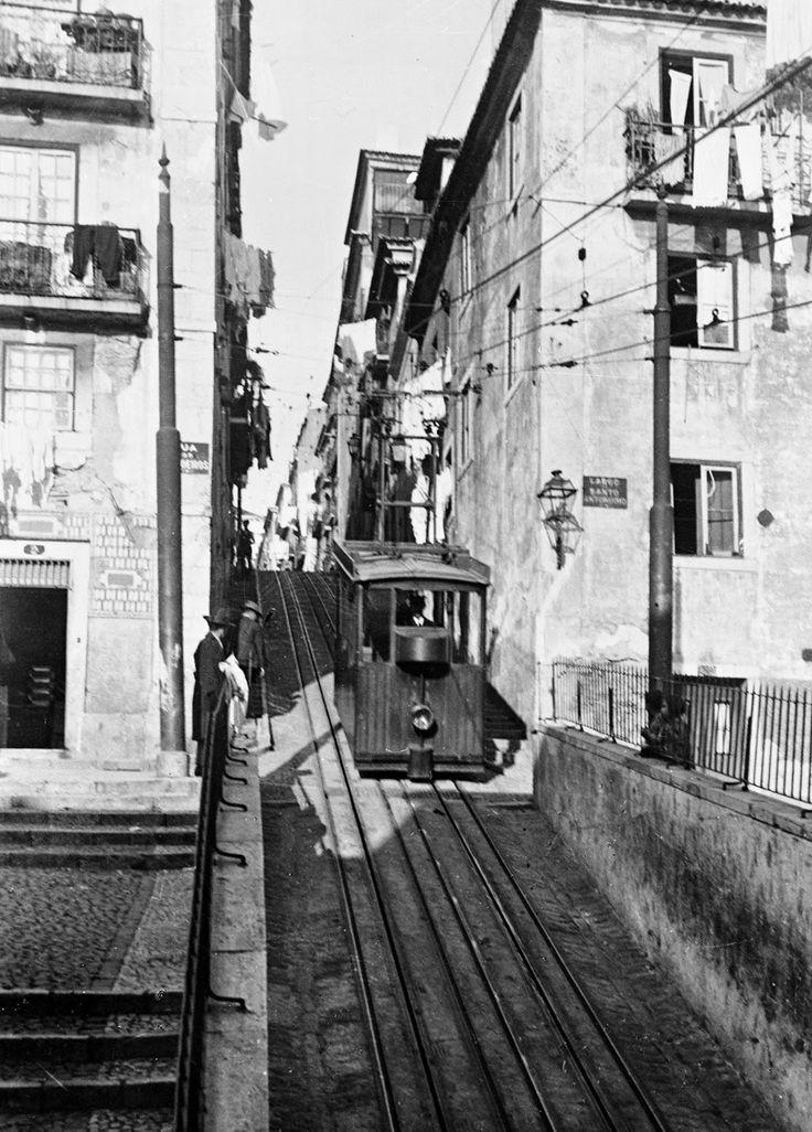 Ascensor da Bica, c.1920