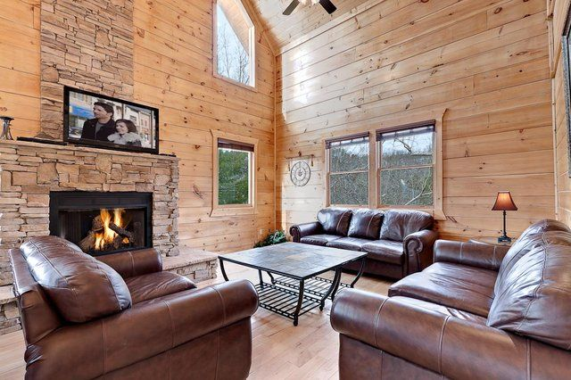 1000 Images About 5 Bedroom Cabins On Pinterest