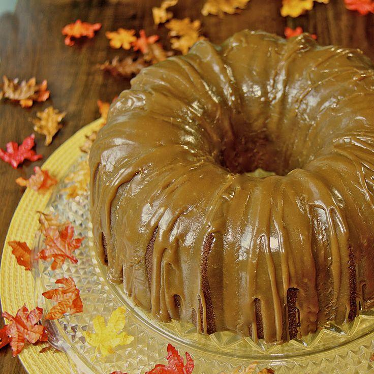 Brown Sugar & Pumpkin Pie-Spiced Pound Cake with Caramel IcingPound Cakes, Pumpkin Pies Spics, Brown Sugar, Pumpkin Cake, Fall Cake, Pies Spics Pound, Spices Pound, Caramel Ice, Sugar Pumpkin