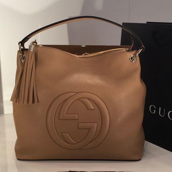 25542083dc56bc Gucci Women's Camelia Beige GG Soho Handbag 536194 -Camelia Beige. -Leather.  -
