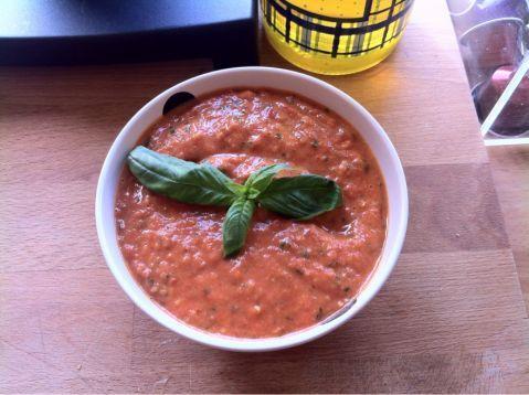 Pesto di pomodori arrostiti e basilico