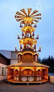 Weihnachtspyramiden > HU-048-2012 Weihnachtspyramide mit Anbau