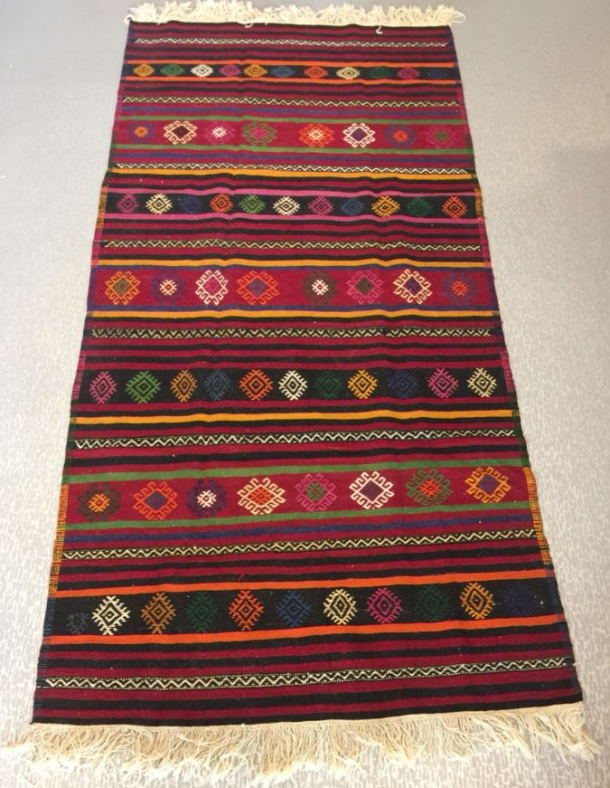 "UNIQUE KILIM RUNNER, 268 x 147 cm ( 105 "" x 57 "" )"