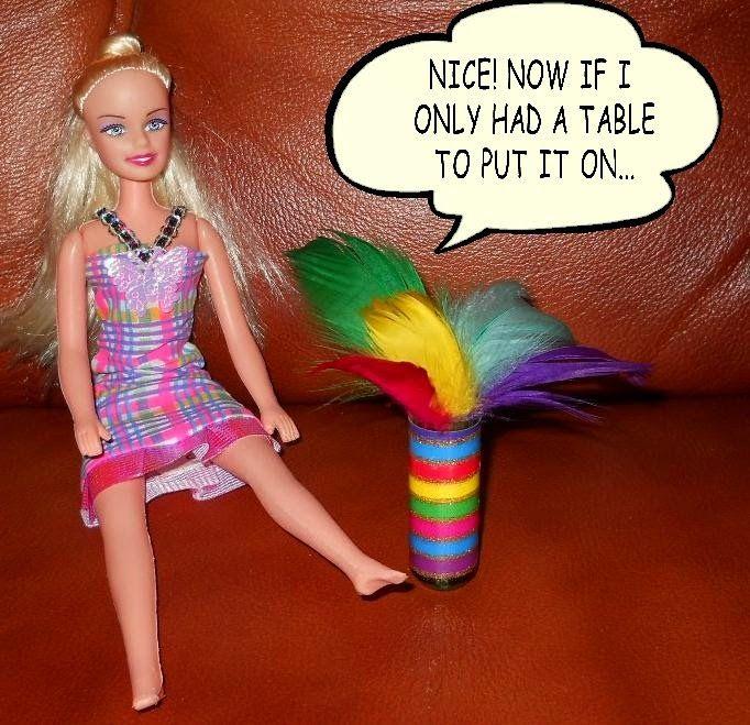 Barbie DIY furniture: from lip balm lid to cute vase