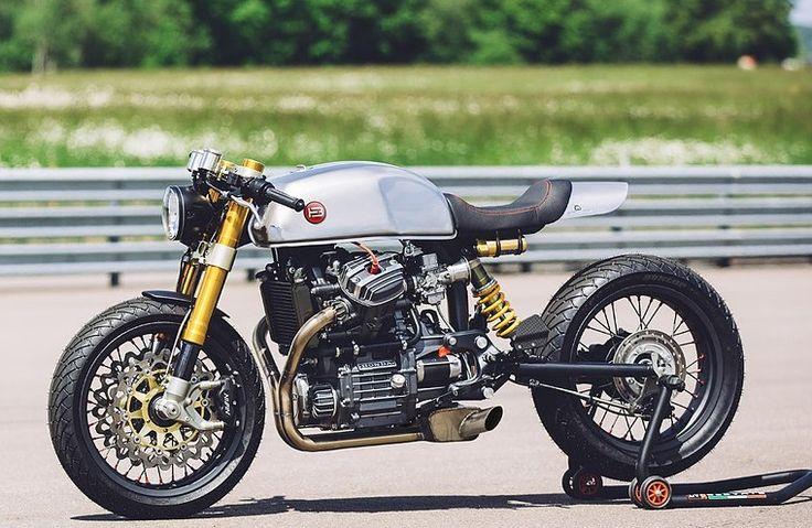 The best #Honda CX500 #CafeRacer >>> BT-01 by Blacktrack Motors. Si quieres tener una moto clásica llena de estilo y disfrutar de componentes contemporáneos >>> blacktrackmotors.com