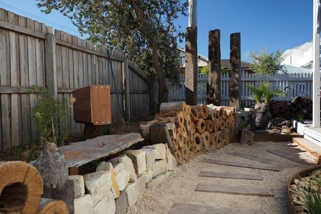 www.gardenconsultants.com.au  Native Australian Garden. Garden Sculpture. Native planting.