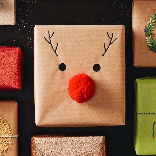 Christmas wrapping ideas (Rudolph for kids, paper doilies + ribbon)