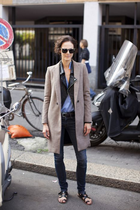 .: Biker Jackets, Airports Chic, Cities Chic, Street Style, Outfit, Woman Clothing, Leather Jackets, Fall Trends, Trench Coats