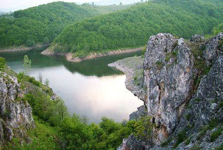 Lacurile Carstice Zătonul Mare şi Zătonul Mic