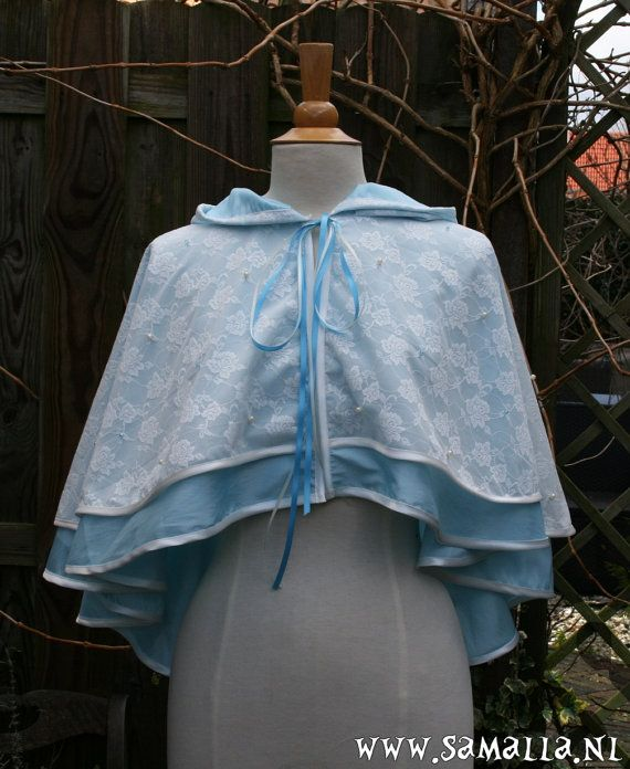 Short Cape with hood in blue taffeta ivory lace with by SamallaNL