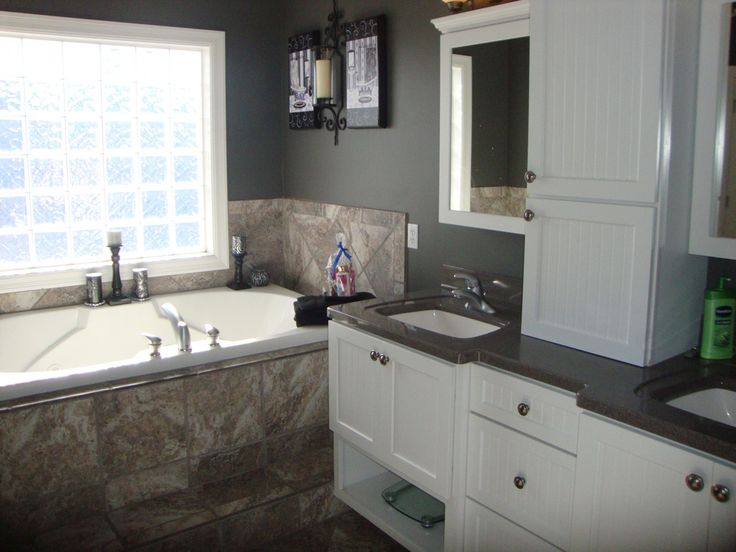 Traditional Master Bathroom with Arizona Tile, Ural Gray, Quartz, Undermount sink, Soapstone, Double sink, Flush