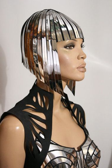 Cleopatra metallic wig hairdress in chrome or gold por divamp