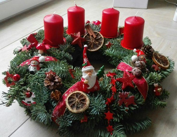 adventskranz weihnachtskranz advent deko kleine schneem nner weihnachtsmann spielzeug rot. Black Bedroom Furniture Sets. Home Design Ideas