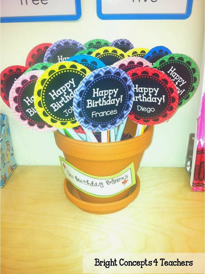 FREEBIE: Birthday Bloom Toppers! This is a fun and inexpensive way to celebrate birthdays in your classroom without breaking the bank. The best part is that the file is EDITABLE!