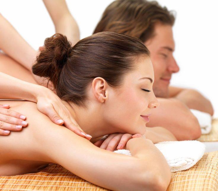 ¿Qué tal un masaje? Descarga la tensión y calma tu mente Te presentamos otro uso de nuestro Ungüento de Manzanilla, un masaje relajante, estimula tu cuerpo y te beneficia aumentando la circulación sanguínea, por consecuencia oxigena los tejidos y órganos, elimina toxinas, nos relaja, bajamos ansiedad, este tipo de masajes nos ayudan a disipar las tensiones y preocupaciones del día. ¿Se antoja verdad?