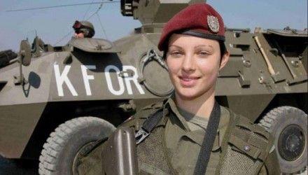 Vejam as fotos de mulheres soldados de diversos países. É uma conquista, mas problemas e preconceitos continuam a existir | Ricardo Setti - ...
