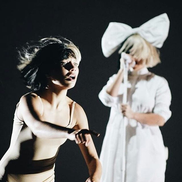 Is Maddie Ziegler Touring With Sia