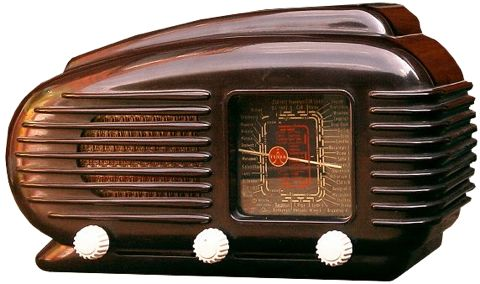 Tesla 'Talisman' model 308U radio (1953-58) from Czechoslovakia. Often referred to as 'The Bullet' or 'The Streamliner.' Bakelite cabinet, glass tuning dial. via the bakelite radio