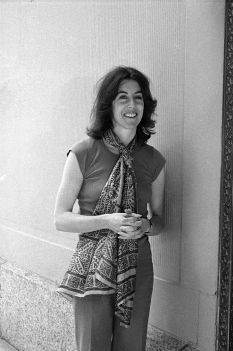 Hendrik Hertzberg remembers Nora Ephron as forever thirty-something: http://nyr.kr/KNw4BN: 101 People, Sweet Remembrance, Nora Ephron, Woman Work, Intrigue People, Famous Woman, Icons Woman, Morta Nora, Remember Nora