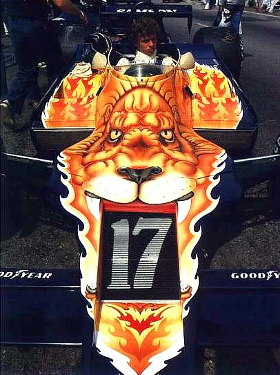 Jan Lammers at the wheel of his 1979 Shadow, sponsored by Samson Shag