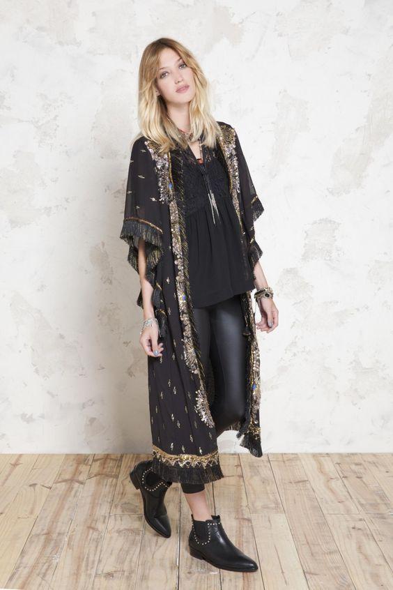 61cfdce9207f7 30 magnifiques modèles de Kimonos tendance 2019 | mode pour femmes ...