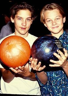 OMG I CAN'T BELIEVE IT IT'S YOUNG TOBY AND LEO YESSSSS AWW THIS IS SO CUTE