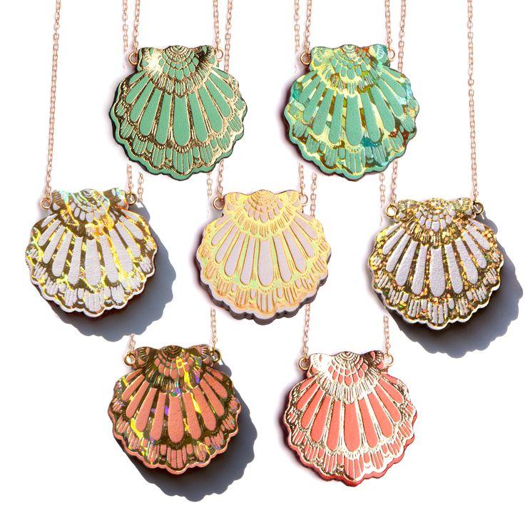 F A N . C L A M  . pendant reversable.More at: >>> http://www.rositabonita.com/rositabonita/SHOP.html