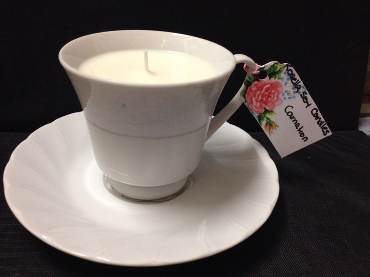 Carnation teacup candle