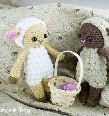 Cuddle Me amigurumi sheep (free crochet pattern) // Ölelhető kicsi amigurumi bárányka (ingyenes horgolásminta) // Mindy - craft tutorial collection // #crafts #DIY #craftTutorial #tutorial #easter #easterCrafts #DIYEaster