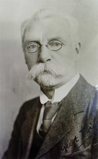 Geert Teis, schrijver en dichter in de Groningse taal.