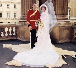The Royal Order of Sartorial Splendor: Wedding Wednesday: Princess Anne's Gown