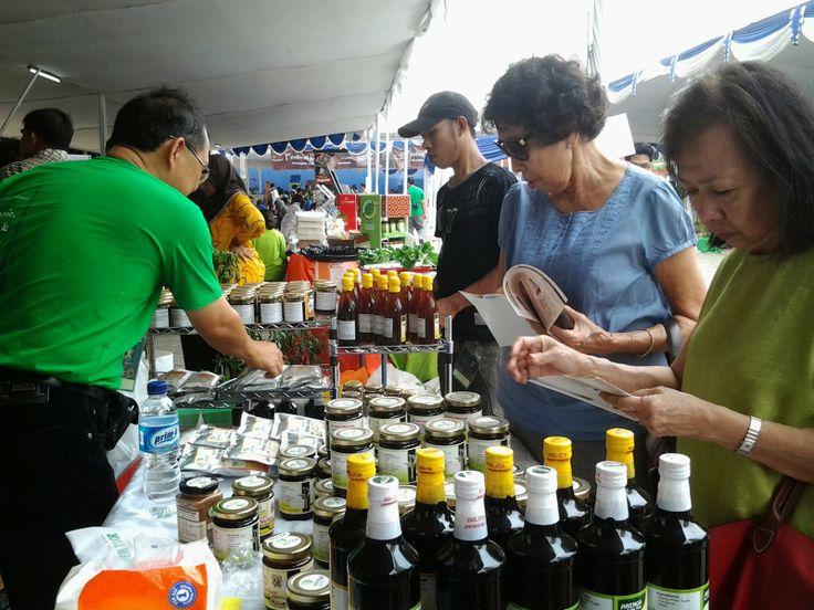 Buying a pure arenga palm sugar?  Mencari Palm Sugar Asli? Choose ARENGA :)