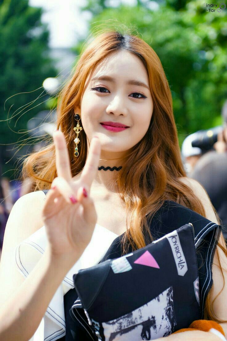 Pin de ᴍᴀɴú ʟᴏᴠᴇ's ᴍᴏɴᴛᴇᴇɴ em •(ɢ)ɪᴅʟᴇ• Soyeon, K idols
