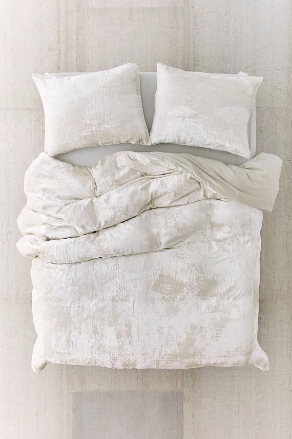 Ultra Luxe Velvet Duvet Cover Boho Bedding Uo Bedding Etsy Velvet Duvet Duvet Covers Urban Outfitters White Duvet Covers