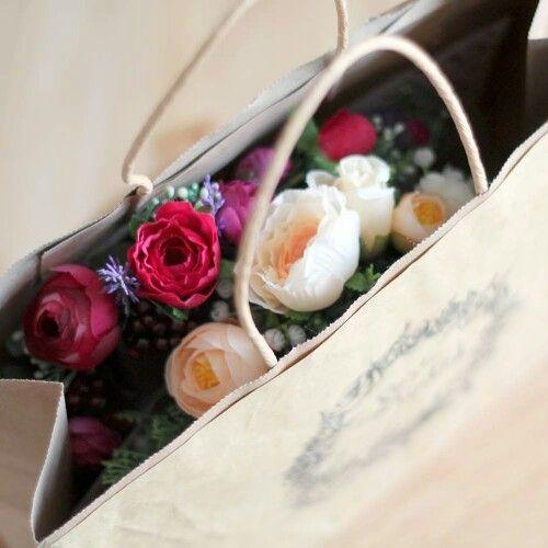 Rose Tinted Flower Crowns - packaging